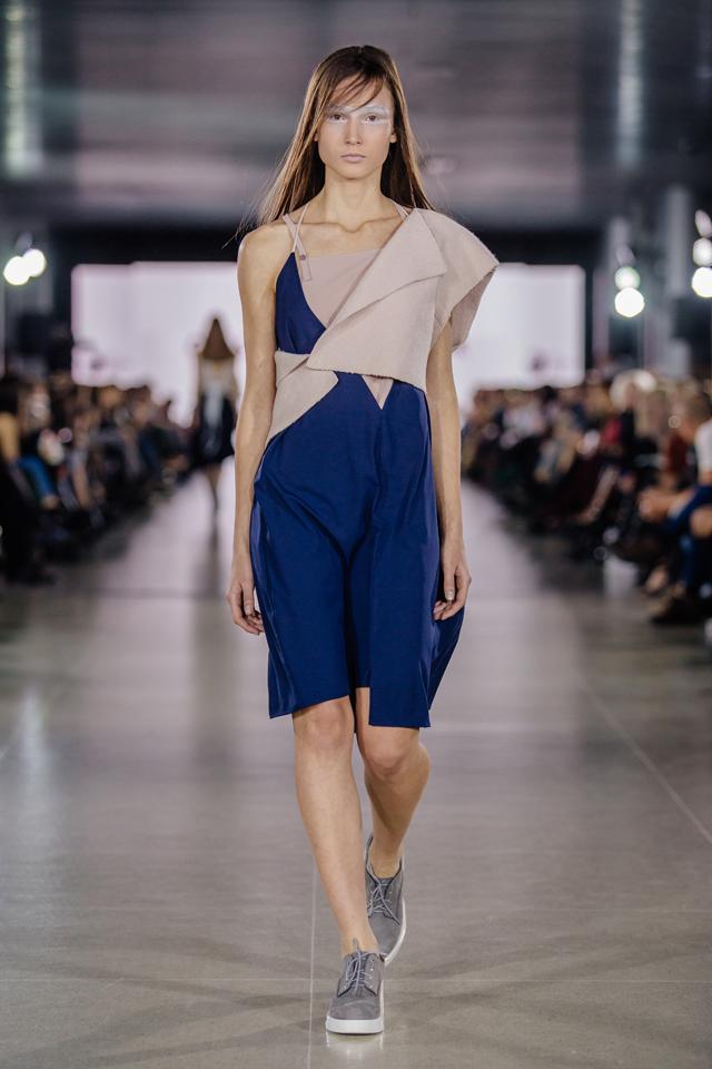 Img Volunteer Fashion Week